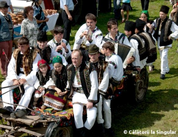 Bucovineni-costume-populare
