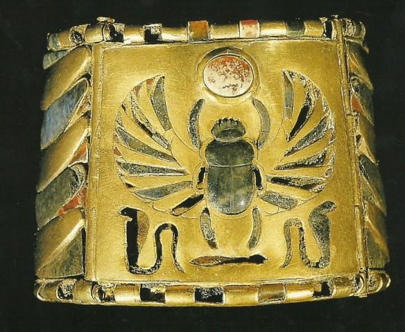 Bratara-lui-Psusennes-I-1024x840